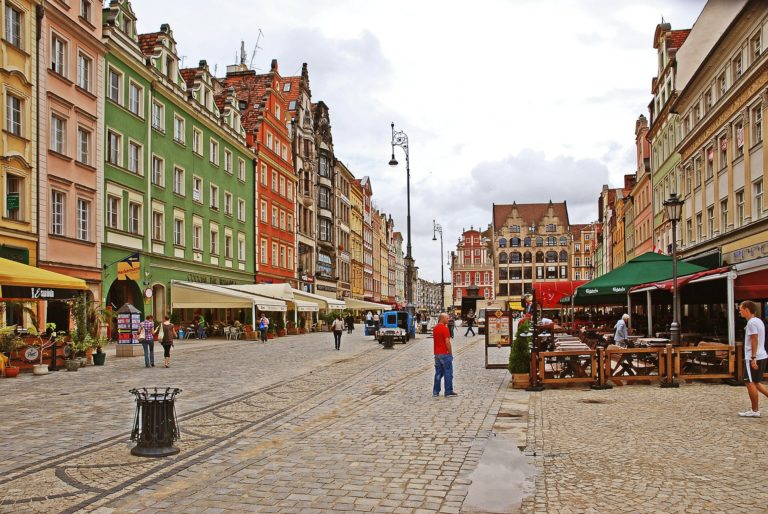 wroclaw-old-town-387739_1920